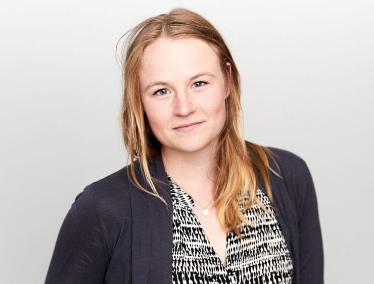 Sofia Winge, Tekniktjej på rätt plats, 3Button Group